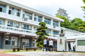 早稲田佐賀中学校