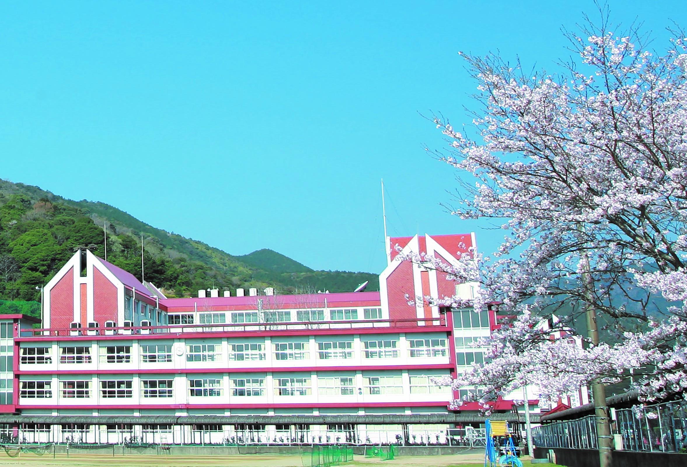 尚学館中学校